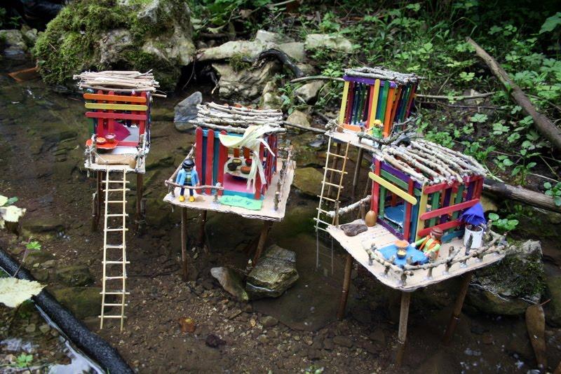 Dom nad strumykiem papier kamie no yczki for How to build a treehouse with sticks